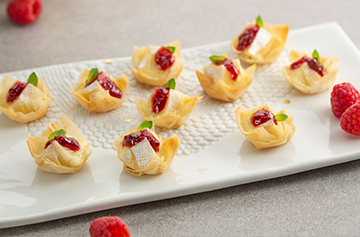Mini tarts with Petit Camembert and raspberry jam