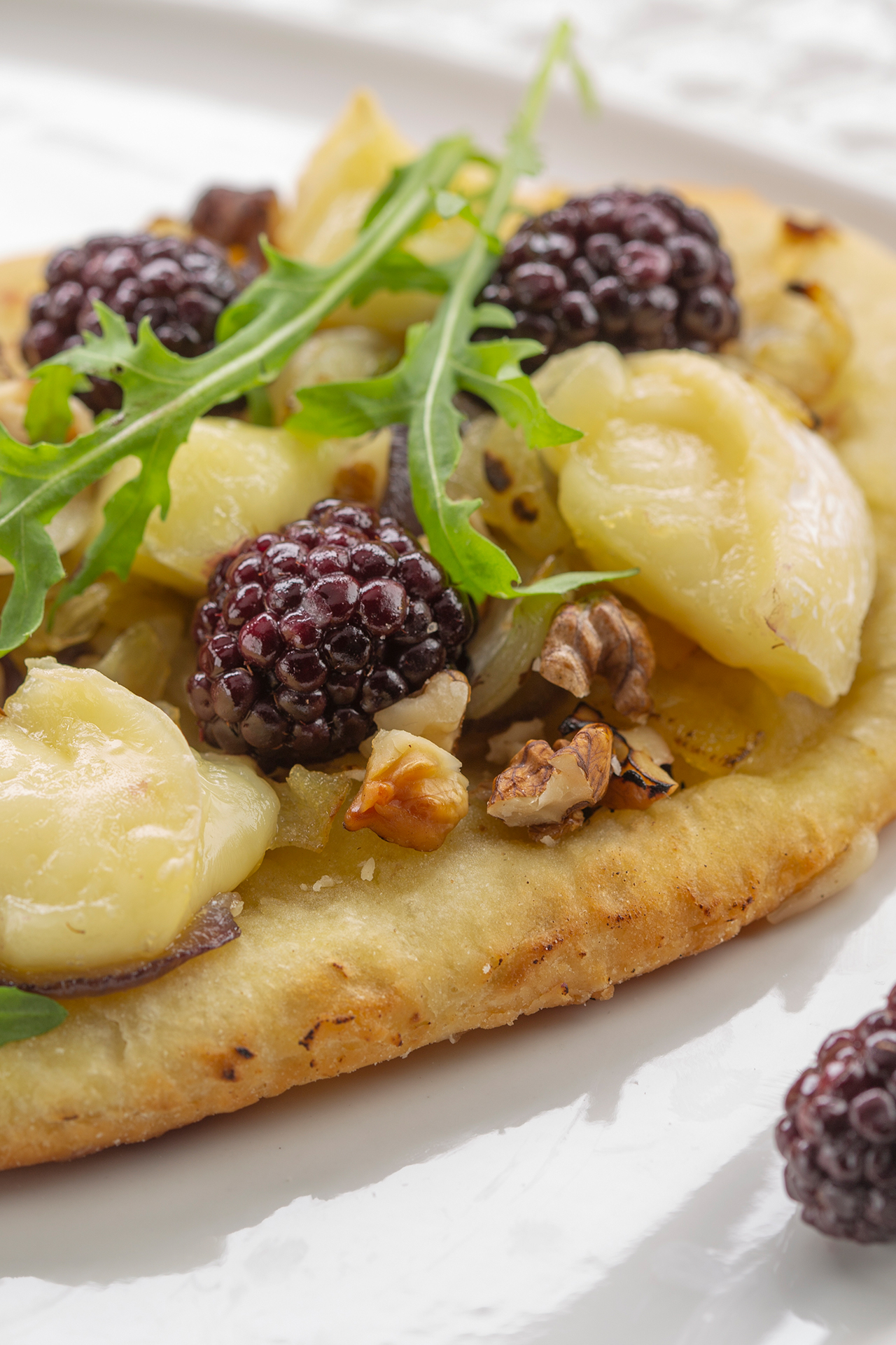 Blackberry and Brie au Bleu mini pizza