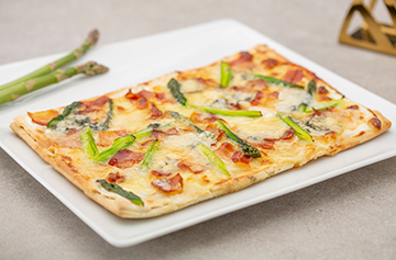 Quick Roquefort and asparagus pizza