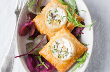 Mini Brie Pastry Puffs