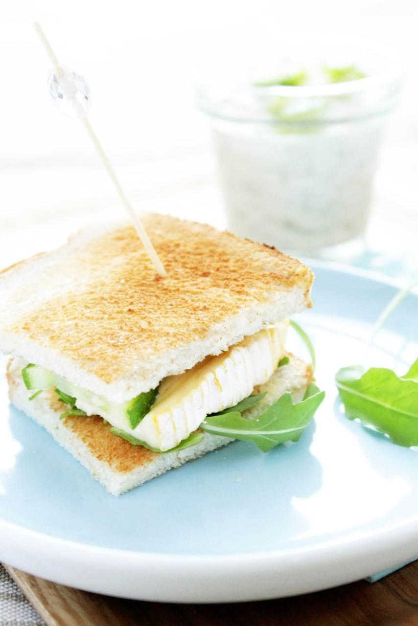 Petit Camembert club sandwich