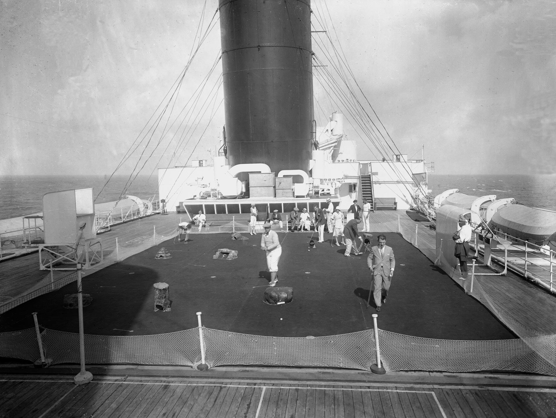 the transatlantic liner, Île-de-France