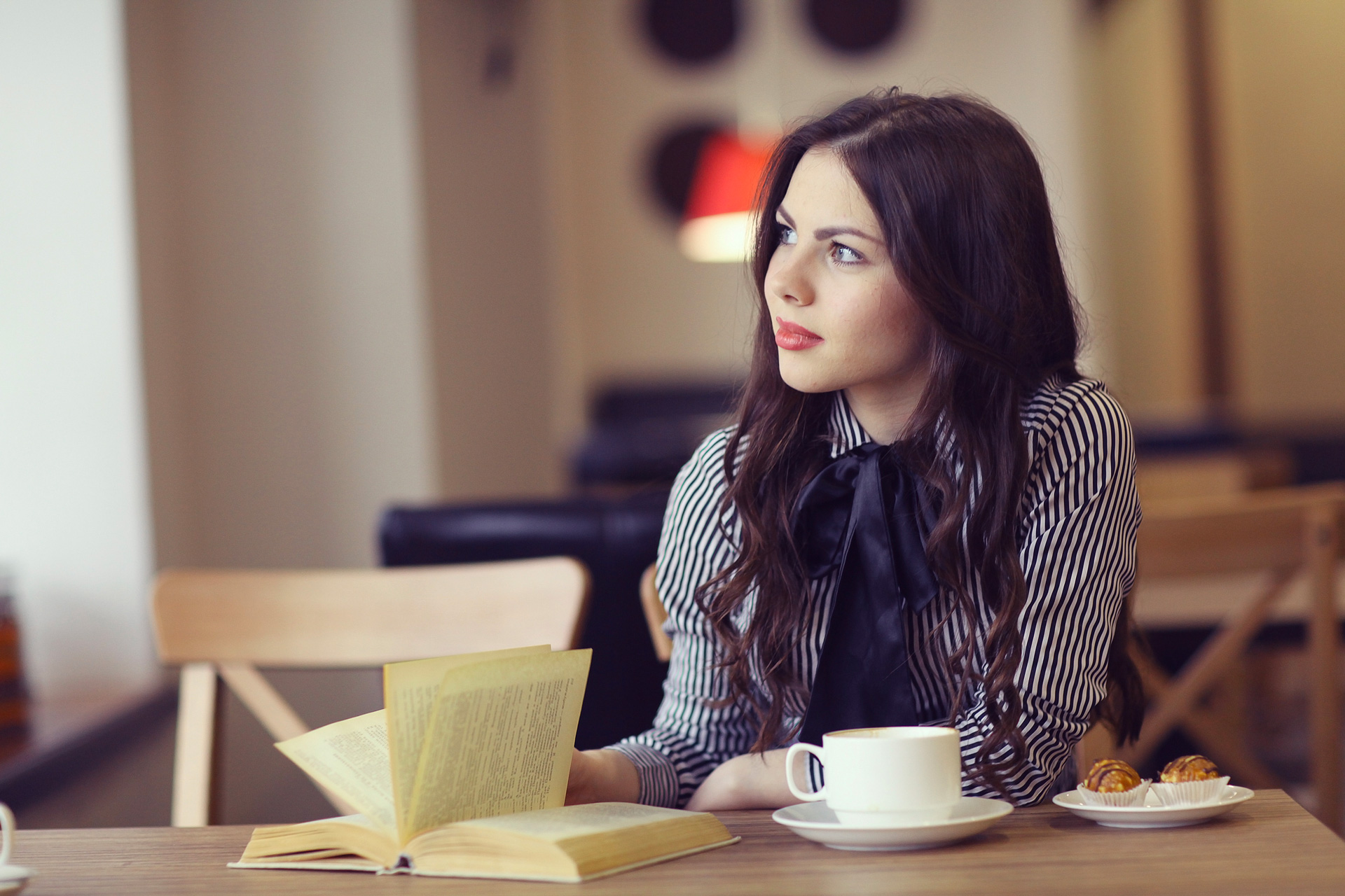 Woman in a coffee shop