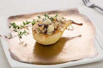 Roasted pear with Roquefort