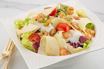 Fresh salad with shrimps and Normantal