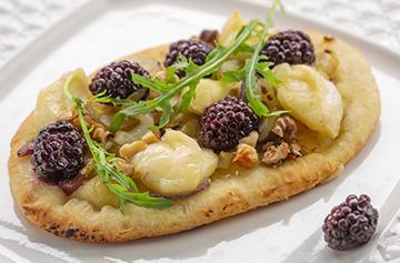 Blackberry and Brie au Bleu mini pizza