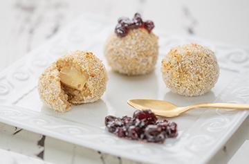 Coconut crusted Petit Brie stuffed quinoa bites