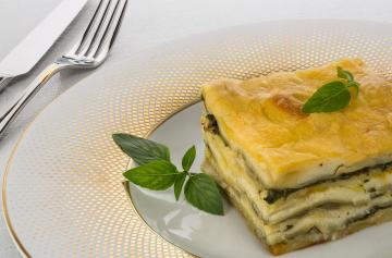 Lasagne with courgettes and Charmidor