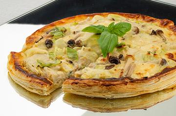 Montaver flamiche with mushrooms and artichokes