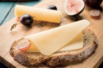 ILE DE FRANCE® Baldaran with bread